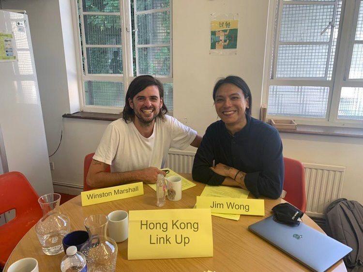 王茂俊與英國人Winston Marshall今年初創辦非牟利組織「香港連隣(Hong Kong Link Up)」。(受訪者提供)