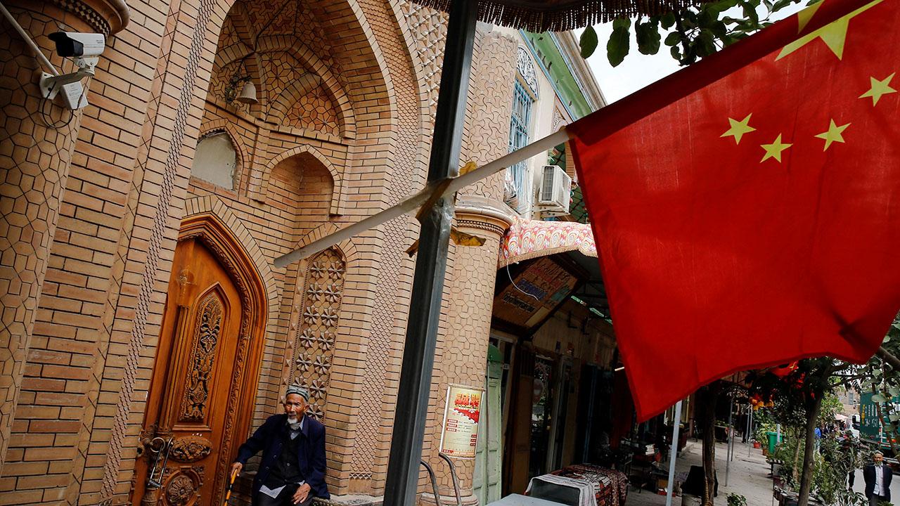 有調查揭新疆「再教育營」涉強制勞動、系統性強姦,中國政府作出否認。(路透社)
