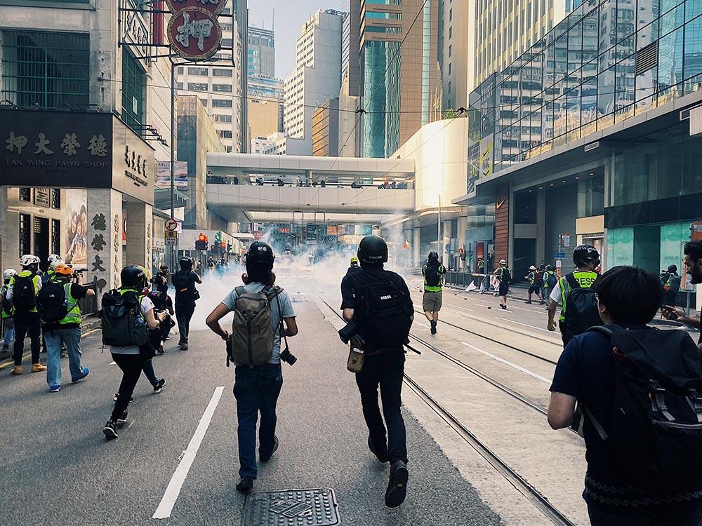 記者在反修例示威衝突中,以生命捍衛真相。(李智智 攝於中環 / 2019年11月11日)