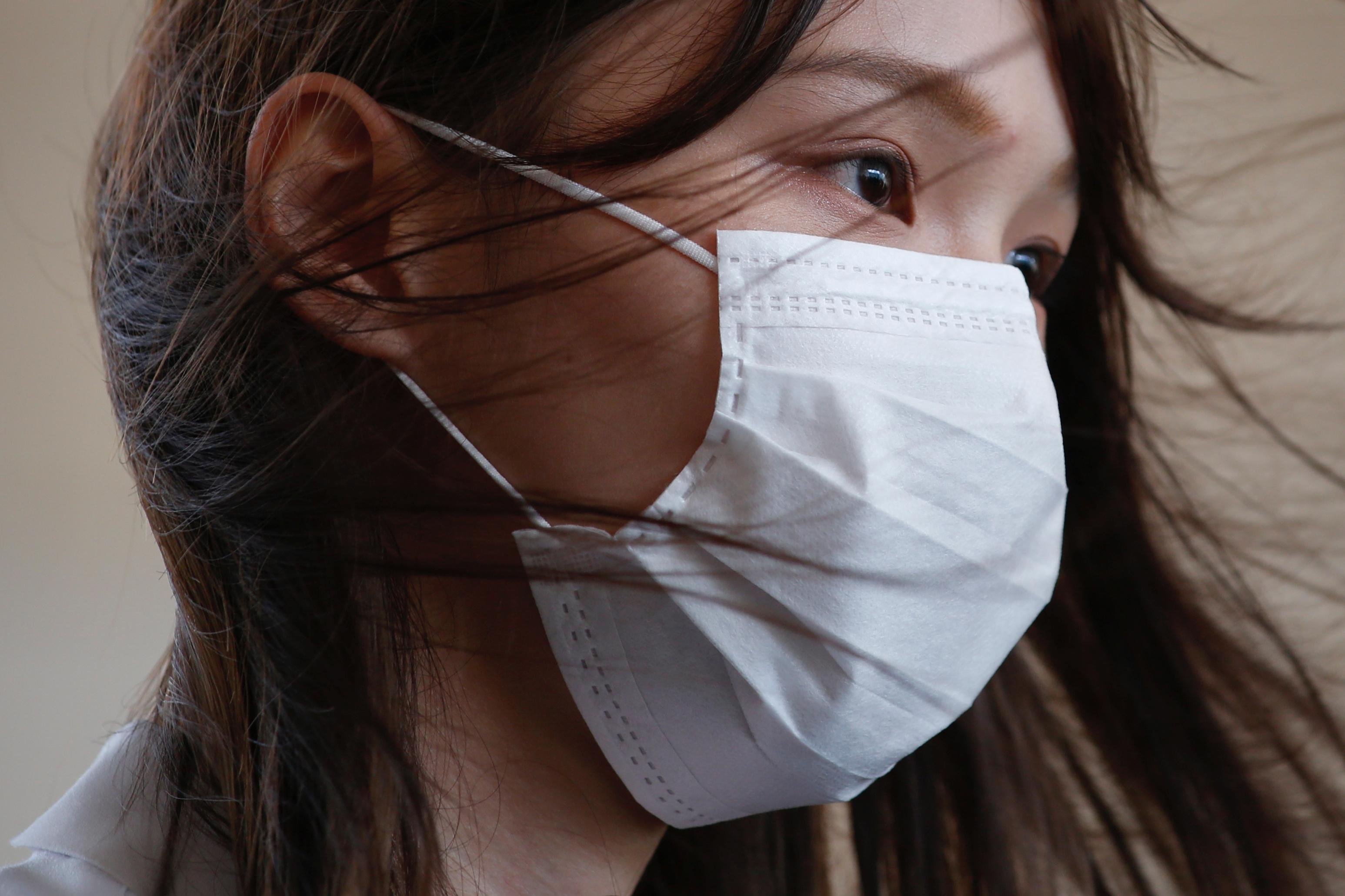 「香港學運女神」周庭日前被判入獄10個月,將於囚中度過24歲生日。(路透社圖片)