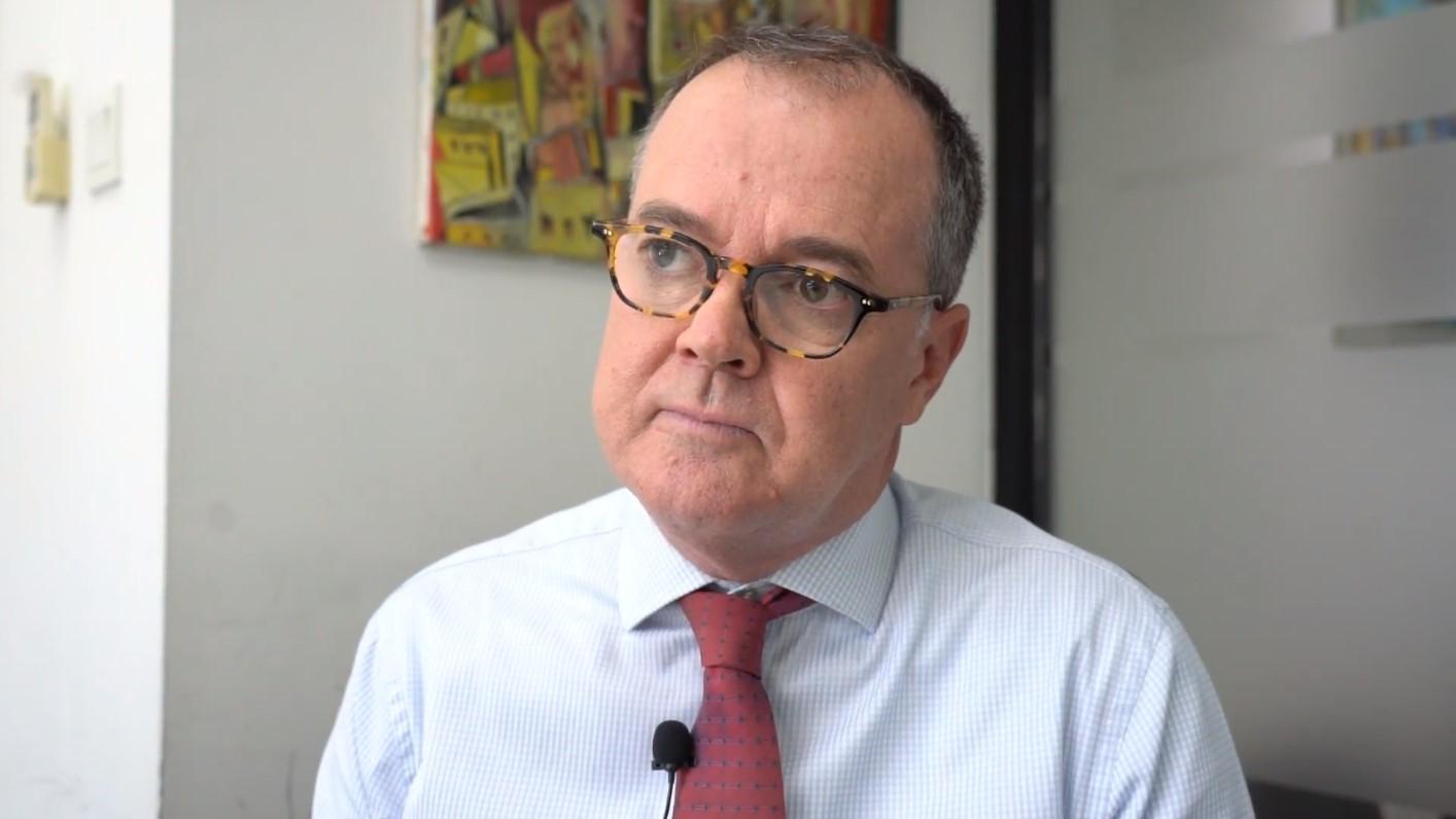 來港25年的英國籍人權律師韋智達(Michael Vidler)表示,以往從未見過香港的警暴問題這麼嚴重。(李智智攝)