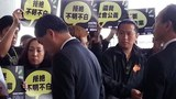 HK-TV-Petition-Leung1022-620.jpg
