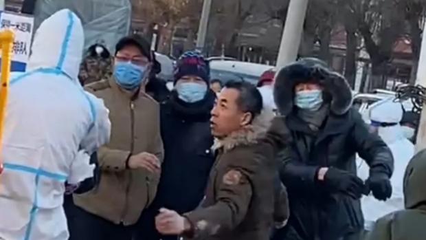 瀋陽全城核酸檢測引發民眾恐慌   多處檢測點情況混亂兩人被刑拘