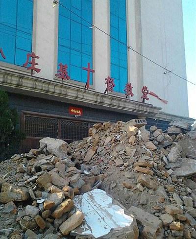 Henan-Chengzhou-Church-Demolition400.jpg