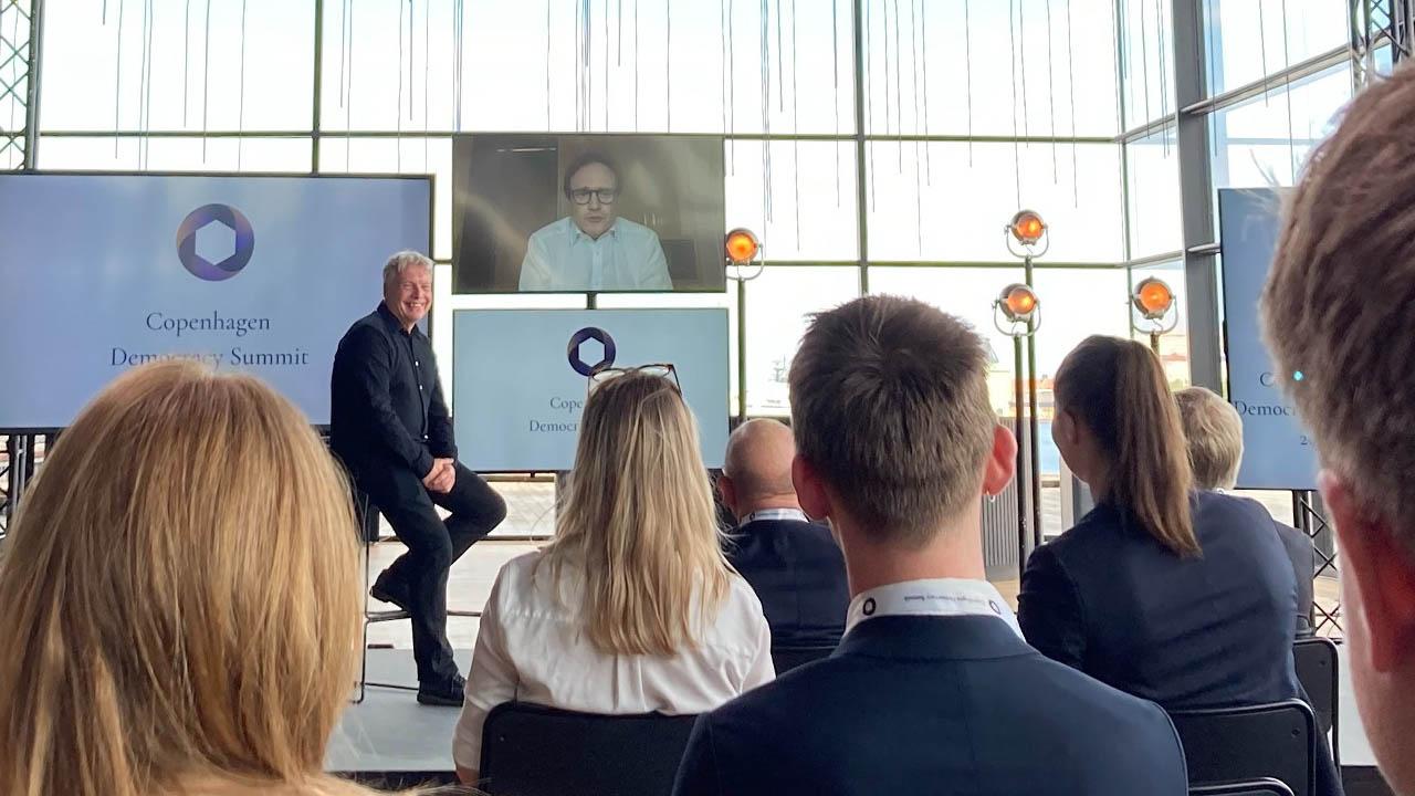 2021年5月10至11日,「2021年哥本哈根民主峰会」举行,邀请了多国政治人物与会。(比利时驻丹麦大使推特图片)