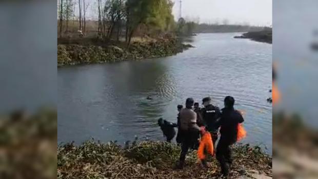安徽少女遇溺員警就手旁觀 視頻之下警方瀆職行為無所遁形