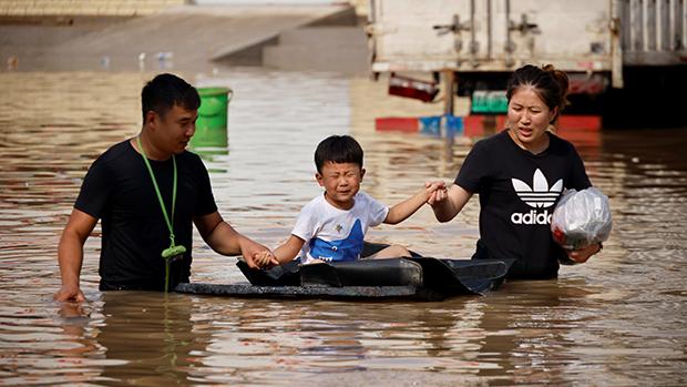 最近一场郑州水灾死伤寝藉。