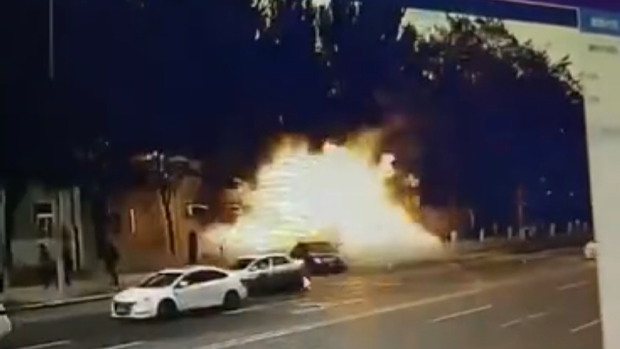 【離奇爆炸】遼寧阜新政府門口電動單車爆炸 民間爭議1死5傷非普通意外?