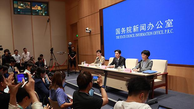 深圳公安万人防暴演习 震慑港人反修例示威