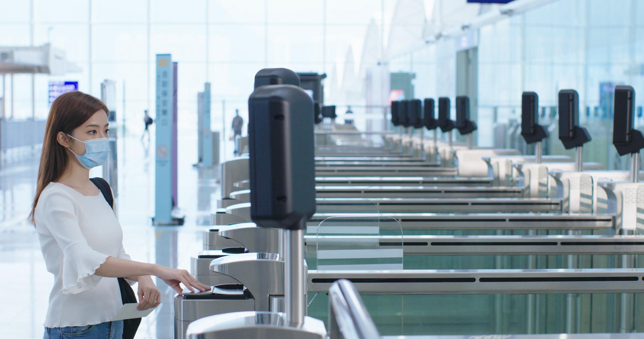 首批自助登機閘口設於一號客運大樓10號至36號登機閘口,而其他登機閘口亦會分階段裝設。(機管局圖片)
