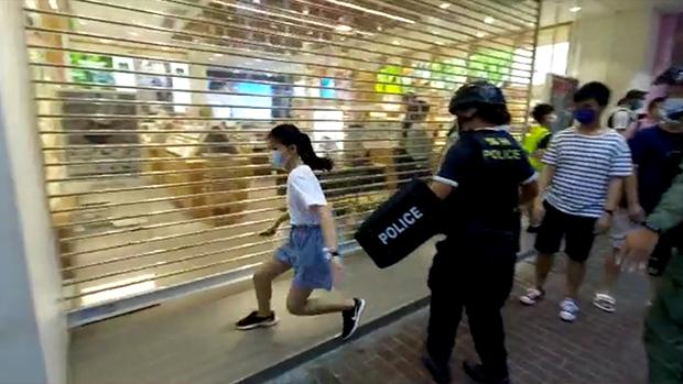 警察疑「滥捕」点燃全城怒火:港人完全失去集会表达自由?