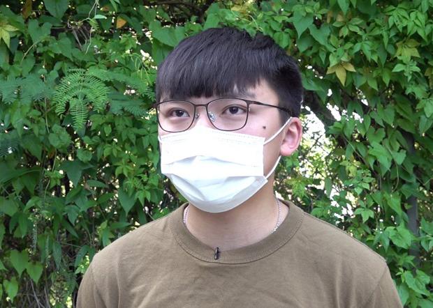 2020年10月15日,前香港眾志副主席、學生組織「教育野」發言人鄭家朗認為,政府不清楚香港年輕人的訴求。(張展豪 攝)