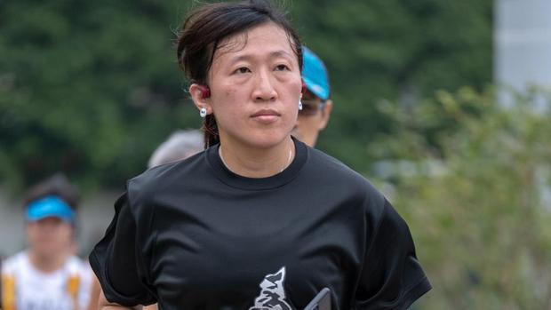 「陣地社工」陳虹秀暴動罪表證不成立當庭釋放 「人道支援者不能照拉」