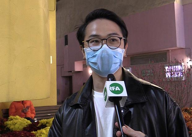 2020年1月31日,曾经在17年前经历沙士疫情的香港市民方先生认为,封关不会是歧视,是为了把境外入来的疫情隔绝。(张展豪摄)