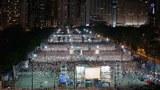2016年6月4日,大批市民手持蠟燭於維園出席六四燭光晚會,悼念六四。(黃樂濤攝)
