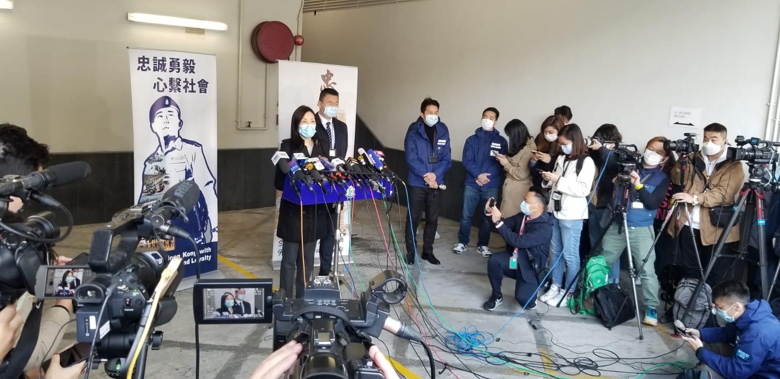 香港警方周三中午12時見記者交代,接收廖子文及黃臨福事宜,表示不排除對二人加控罪行。(鄧穎韜攝)