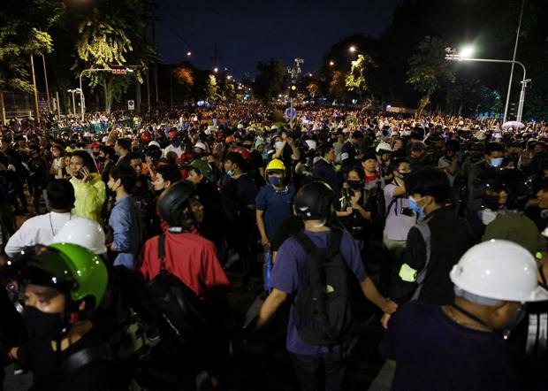 泰国政府宣布解除首都曼谷的紧急状态令。(路透社)