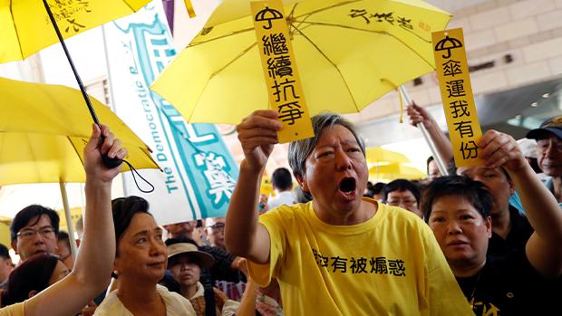 中共「护法」称支联会涉违国安法 食环惊恐年宵投标一度抽起