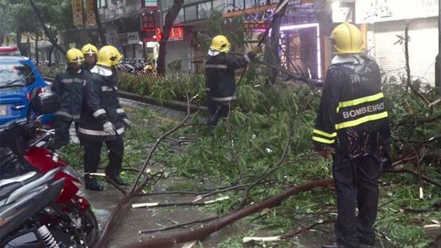macau-typhoon2