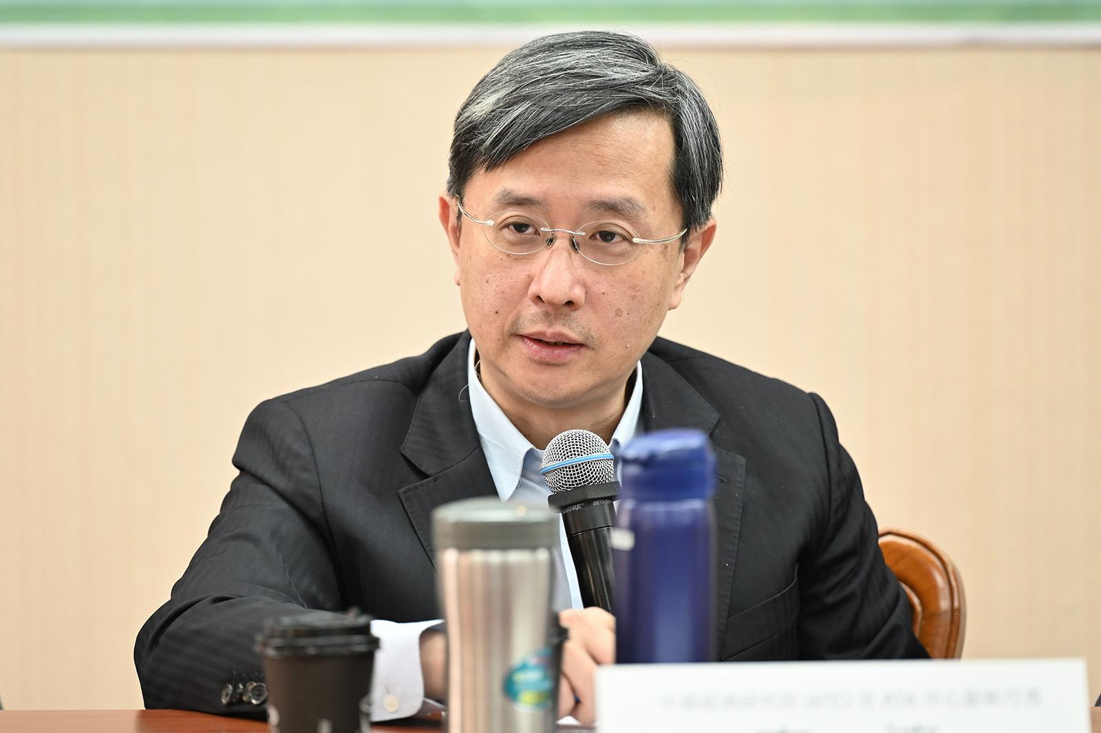 2021年9月20日,中華經濟研究院WTO及RTA中心副執行長李淳:透過WTO解決這次爭端耗時,應循兩岸食安機制溝通。(鍾廣政 攝)