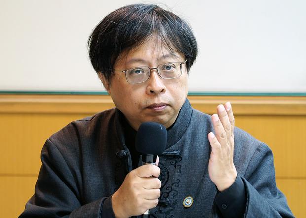 2020年4月24日,华人民主书院董事主席曾建元:九月前后香港情势会愈来愈坏,可能有大批港人涌到台湾寻求庇护。(锺广政 摄)