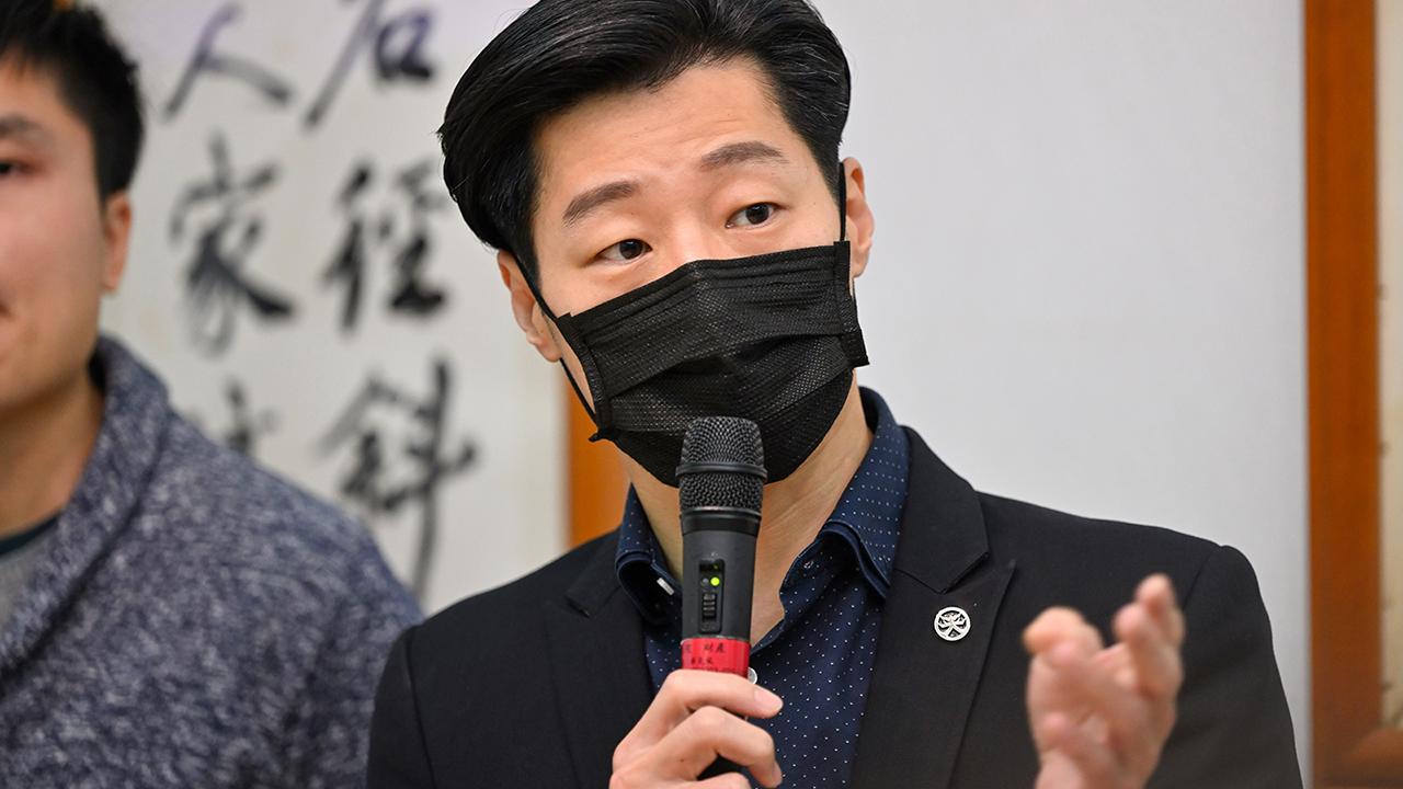 2021年3月23日,立委林昶佐:未來行政院就港澳民主人權報告時,也應考慮制裁破壞香港人權跟民主的人。(鍾廣政 攝)