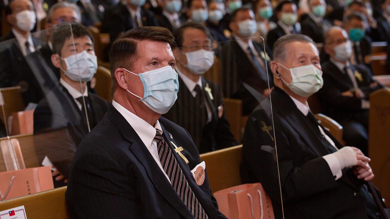 2020年9月19日,美國國務次卿克拉奇和日本前首相森喜朗出席追思禮拜。(總統府提供)