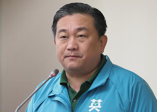 2019年12月5日,民進黨立委王定宇︰通過《難民法》可能成為中國滲透台灣的漏洞。(鍾廣政 攝)