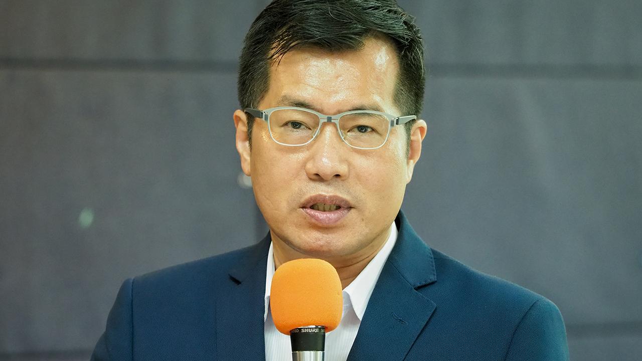 2019年12月21日,民进党立委罗致政:对于台湾驻外代表处更名问题,外交部可以再大胆一点。(锺广政 摄)