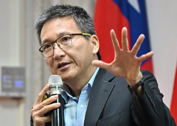 2020年10月30日,淡江大学两岸关系研究中心主任张五岳:五中全会后中共一定会推动「两制台湾方案」的一中促谈促统工作。(锺广政 摄)
