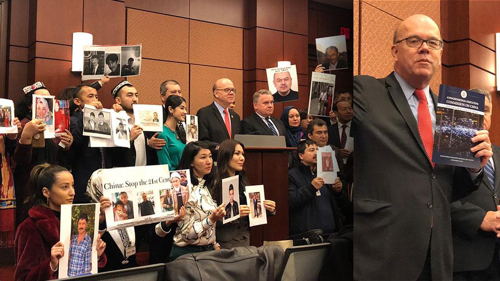图左︰近五十名维吾尔人手持在中国失踪亲人的照片出席了发布会,要求美国政府和国会帮助,寻找亲人下落;图右︰报告更首次以香港「反送中」游行示威照片为摘要报告的封面。(潘加晴 摄)