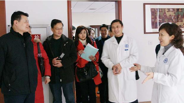 中国官方自取其辱 讽特享医疗特权反遭民众揭中国官员特权文化