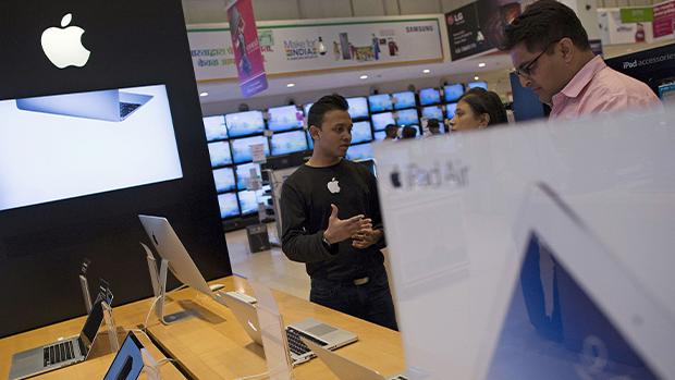 报道:印度审批华人签证速度未能配合 苹果组装公司生产扩张受影响