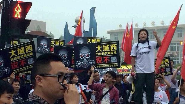 Hangzhou-Incinerator-Protest620.jpg