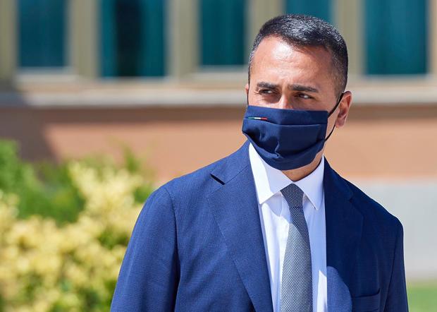 意大利外長迪馬約(Luigi Di Maio)上周在羅馬會晤美國大使,會談的內容包括華為問題。(迪馬約臉書圖片)