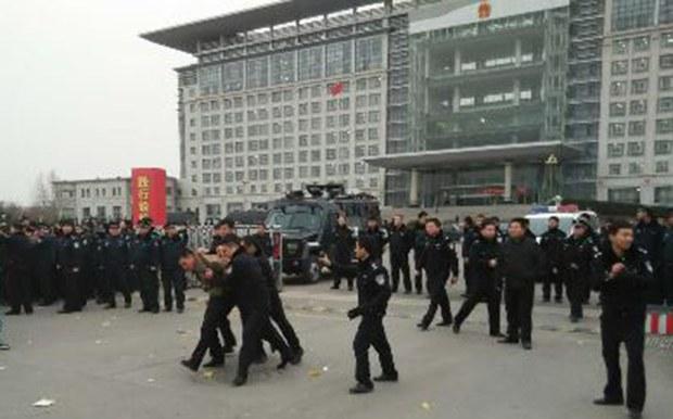 china-petition-arrest-620.jpg