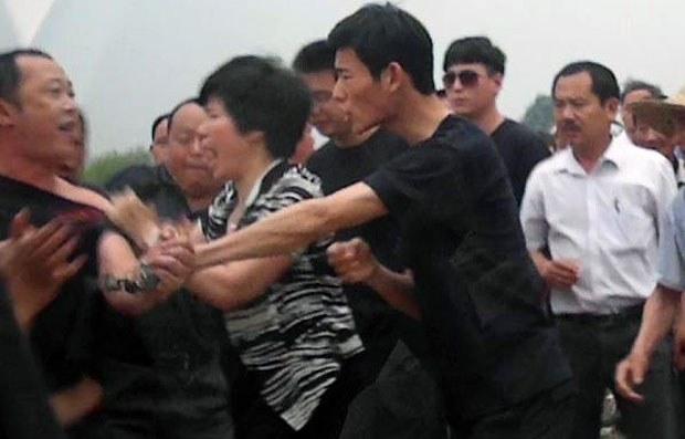 Anhui-land-villagers620.jpg
