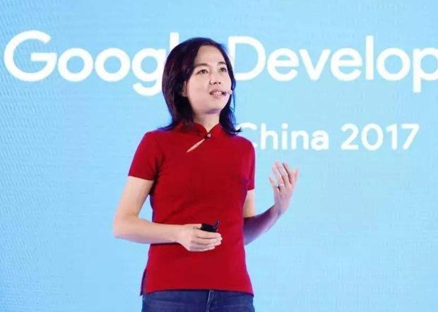 2017年谷歌成立人工智慧中國中心,她在上海的演講活動中表示「不忘初心,幫助發展中國的人工智慧」。(微信號量子位元圖片 / 拍攝日期不詳)