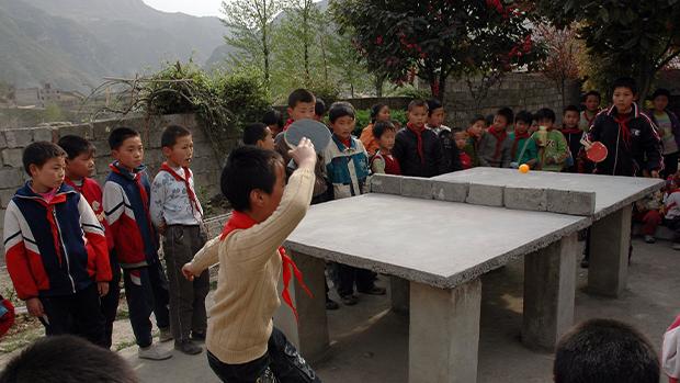禁止中小學生校園用手機 中國教育部被質疑搞政治騷