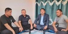 新疆逃亡者首获哈萨克难民证 集中营问题再成焦点