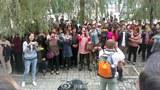 Pingdingshan-Cult-Court-Families620.jpg