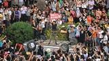 Qidong_protest_crowd305.jpg
