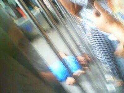 7月16日,5名贵州访民在北京府佑街派出所服农药自杀,图为其中一人倒在地上。(访民提供)