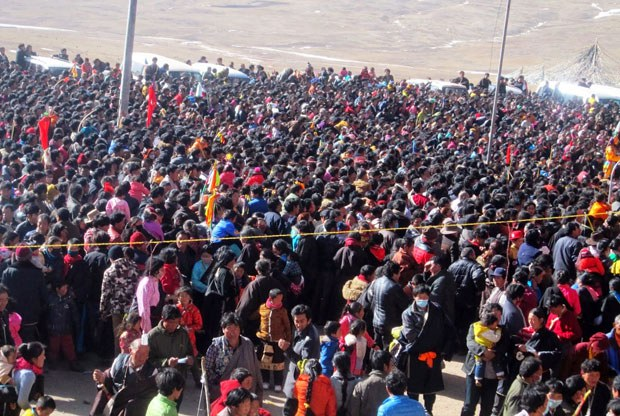 Tibetan-Crowd-Protest0205-620A.jpg