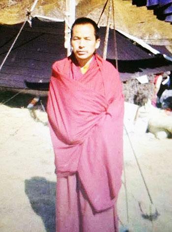 青海同仁县42岁僧人钦培(译音),护送自焚身亡的外甥骨灰回家,3月1日被判刑。(照片由西藏人权民主促进中心提供)