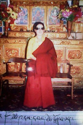 四川道孚縣6月11日有藏族尼姑自焚,近日證實她是31歲的旺欽卓瑪,上週已在醫院去世。(照片由維權人士提供)