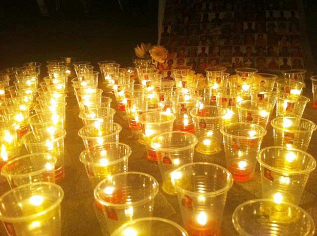 纪念活动包括向逾百名自焚藏人供灯。(照片来自香港与西藏同行)