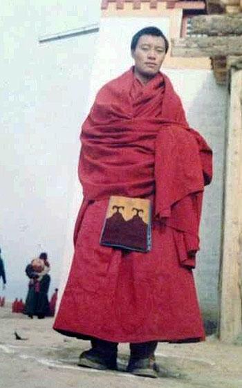 四川阿壩格德寺僧人洛桑朗杰,2月3日在若爾蓋縣公安局附近自焚身亡。(照片由次仁提供)