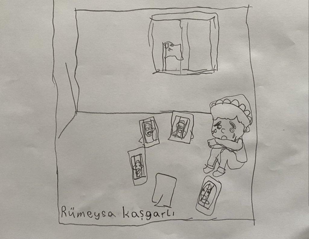 家中大人全被關進集中營的男孩開齋節獨坐家中哭泣。(網絡圖片)