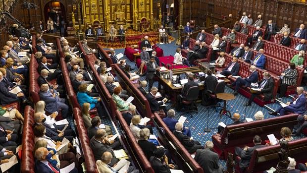 英国会反击中国制裁英议员 驻英华使被禁足议会